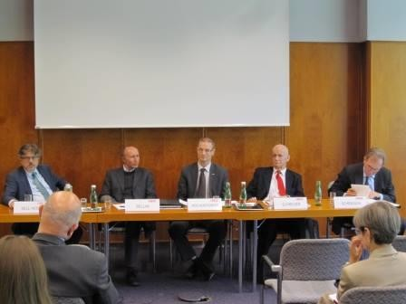 Roundtable 4.10.2013