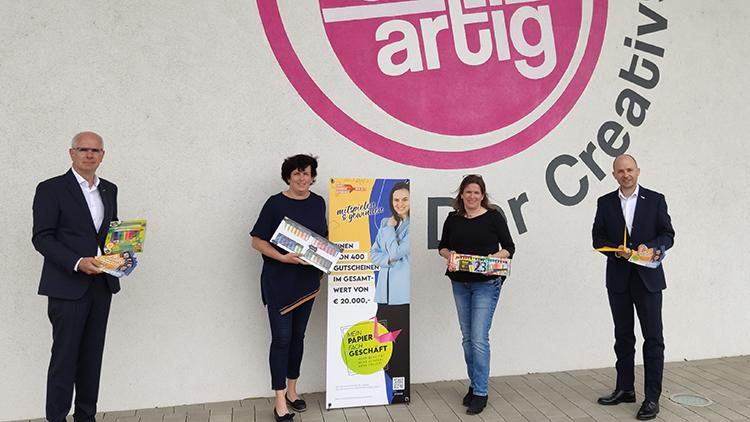Gremialobmann Andreas Auer, Geschäftsinhaberinnen Creativshop Annelies Seidl und Ulrike Neidhart, Gremialgeschäftsführer Andreas Hofbauer.