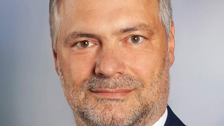 Robert M. Hieger bleibt Obmann