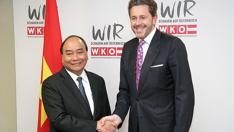 Wirtschaftsforum Österreich-Vietnam im Haus der Wirtschaft: Vietnams Premierminister Nguyen Xuan Phuc und WKÖ-Präsident Harald Mahrer
