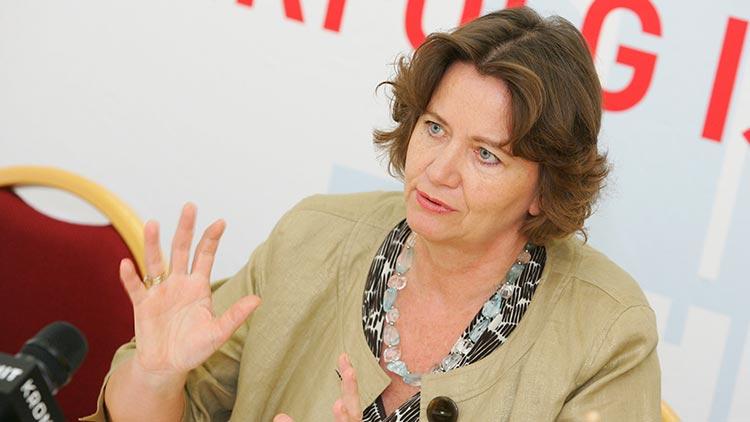 Renate Scheichelbauer-Schuster, Obfrau der Bundessparte Gewerbe und Handwerk
