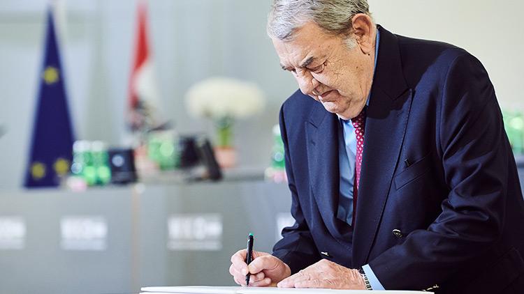 WKÖ-Vizepräsident Schenz beim Wirtschaftsparlament